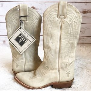 New Frye Rugged White Western Pull On Boots 5.5 B